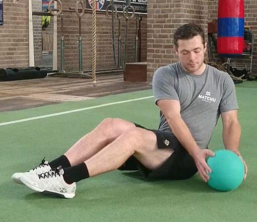 russian-twist-medicine-ball