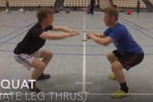 partner-squat-met-beenstuwkracht